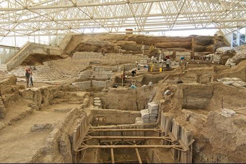 A photograph of an excavation site at Çatalhöyük